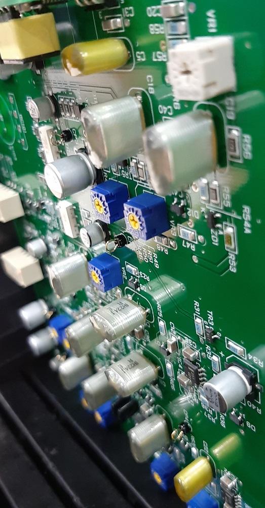 端子台(16P)実装基板